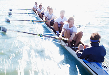 Ruderer fahren im Kanu – Master Sportpsychologie studieren