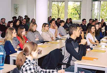 Vorlesung am Campus München DHGS