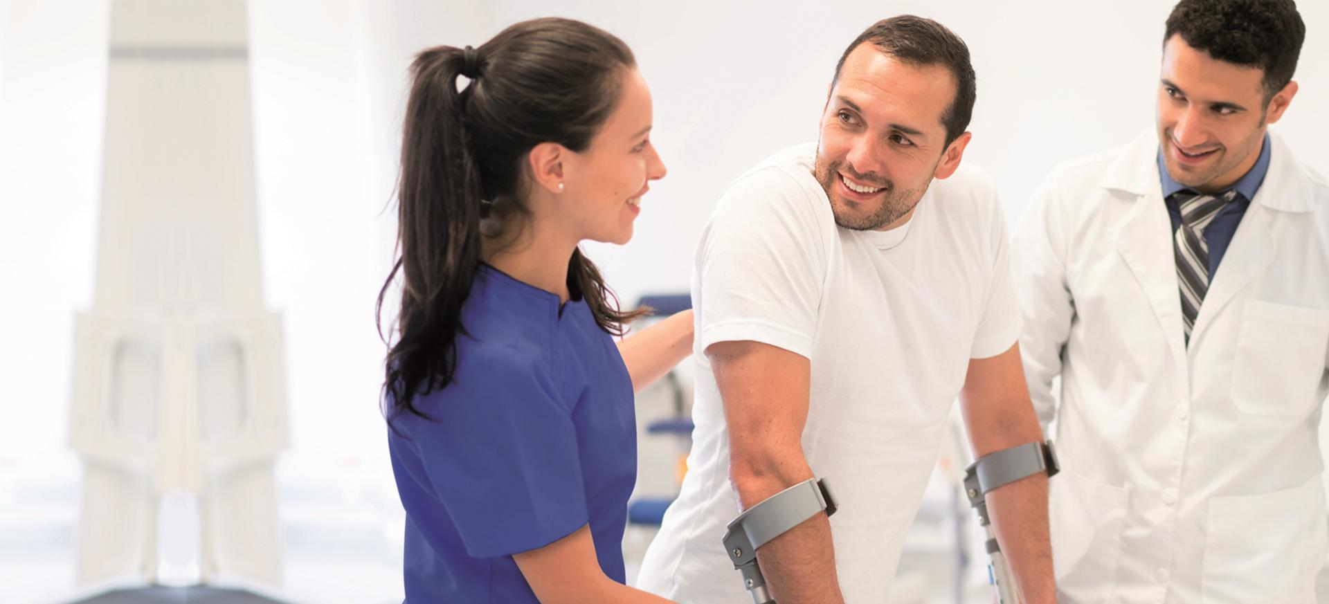 Jetzt den Bachelor Schwerpunkt Prävention, Regeneration und Rehabilitation kennen lernen und beraten lassen.