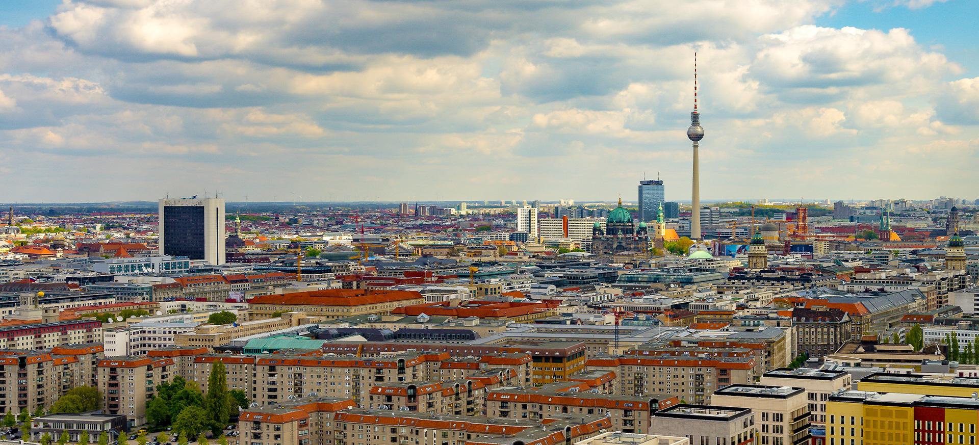 Skyline von Berlin mit Blick auf den Fernsehturm