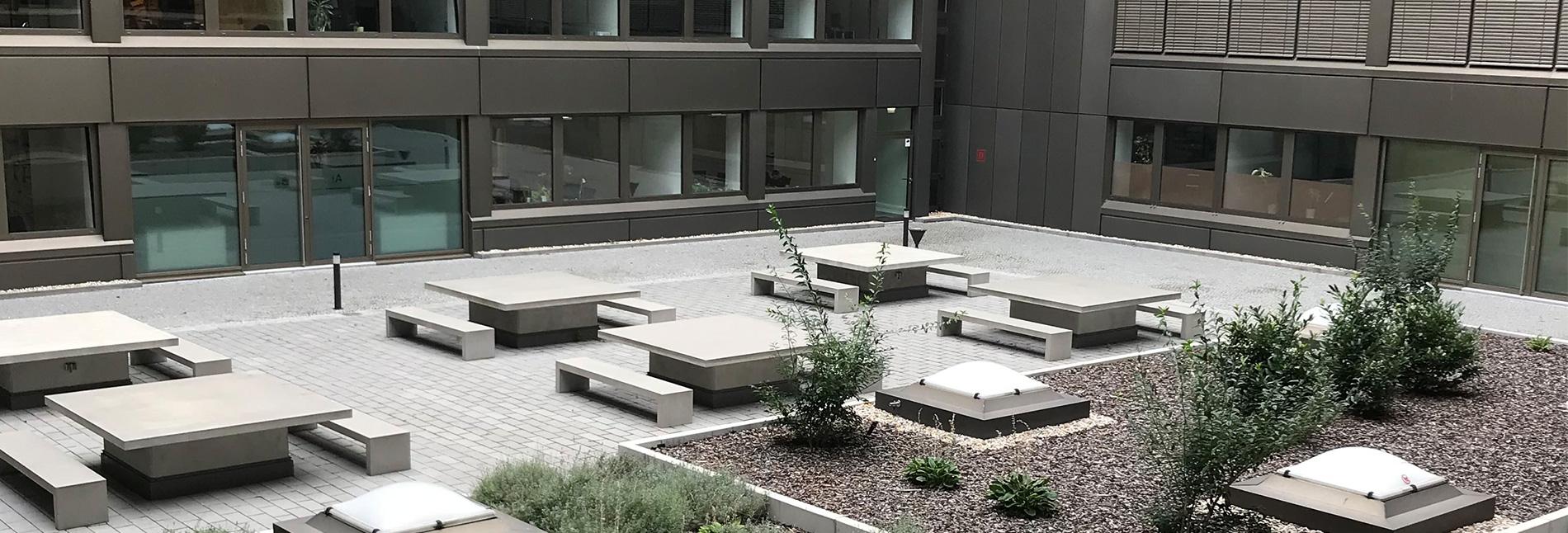 Blick auf die Terrasse des Berliner Standorts